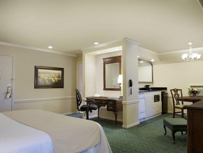 1 King Oversized Room Limited Deal Best Western PLUS Heritage Inn