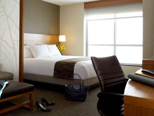 Queen Room with Sofa Bed - High Floor  Hyatt Place Delray Beach