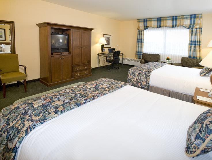 1 Queen Bed Suite Best Western PLUS Landing Hotel