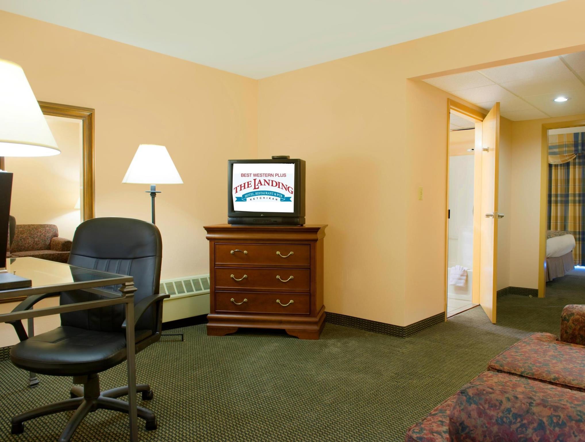 1 Queen Bed Accessible Best Western PLUS Landing Hotel