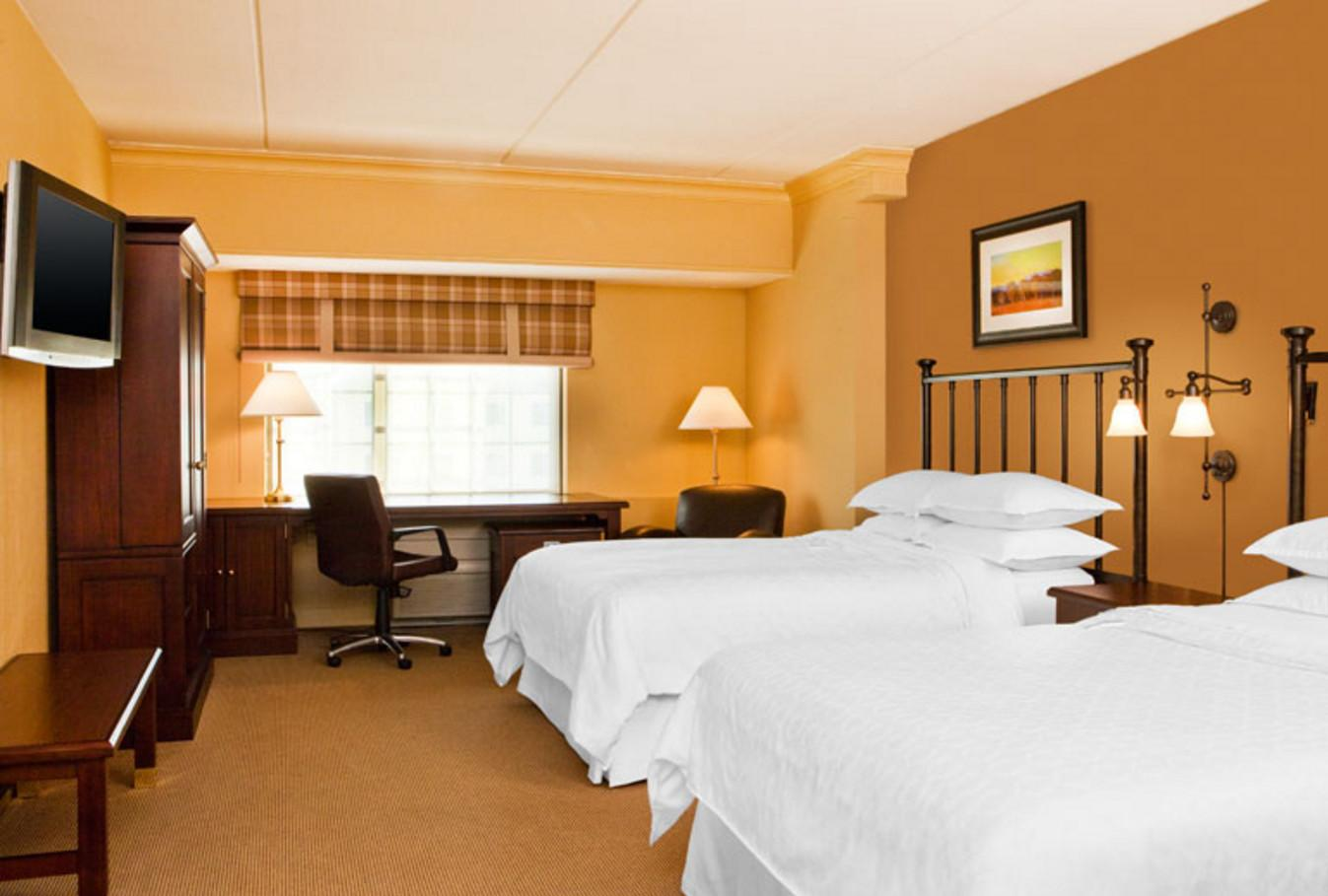 Traditional 2 Double Beds Sheraton Baltimore Washington Airport Hotel BWI