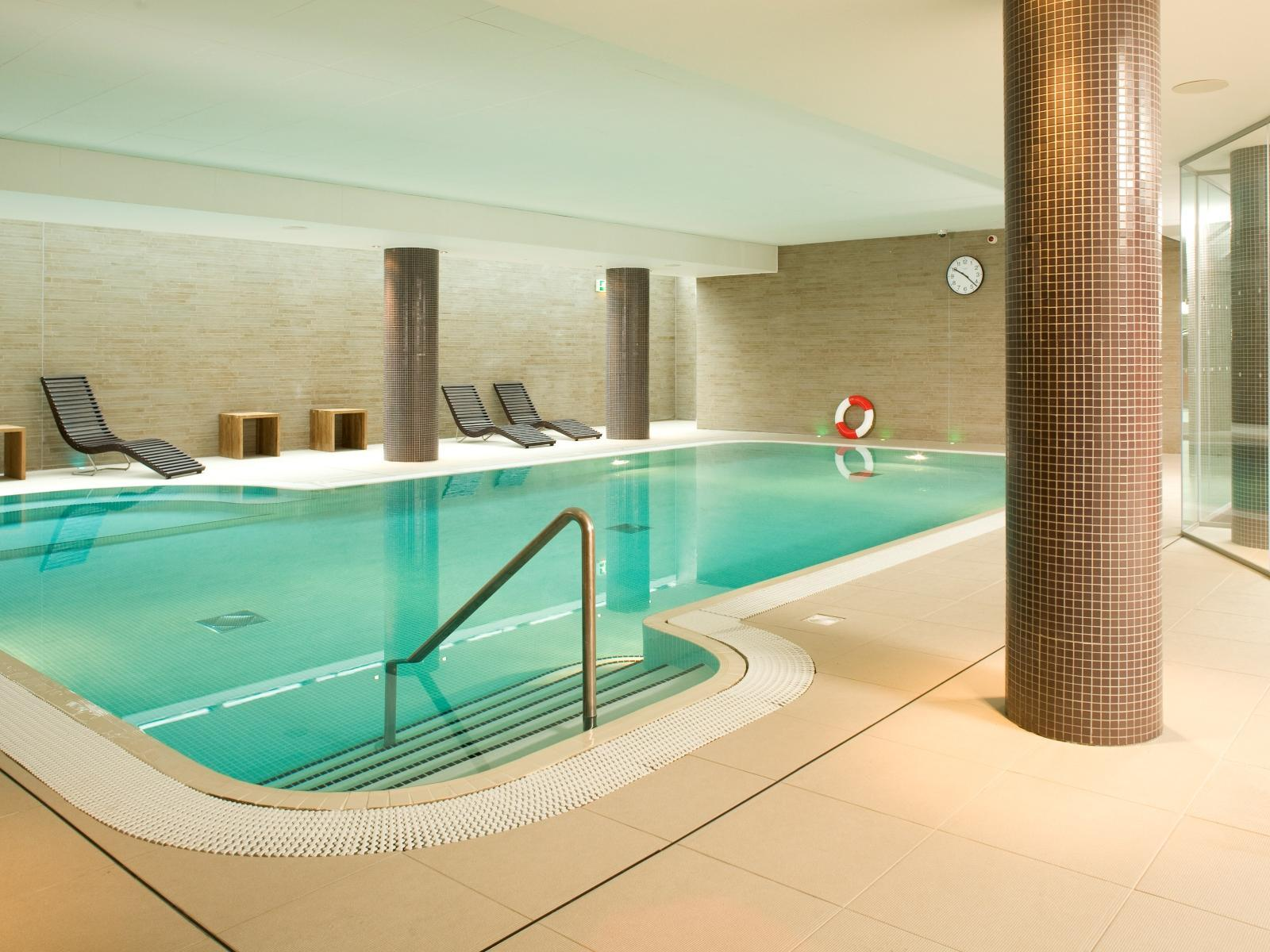 Swimming Pool Jacuzzi Edinburgh Best Price On Novotel Edinburgh Park Hotel In Edinburgh