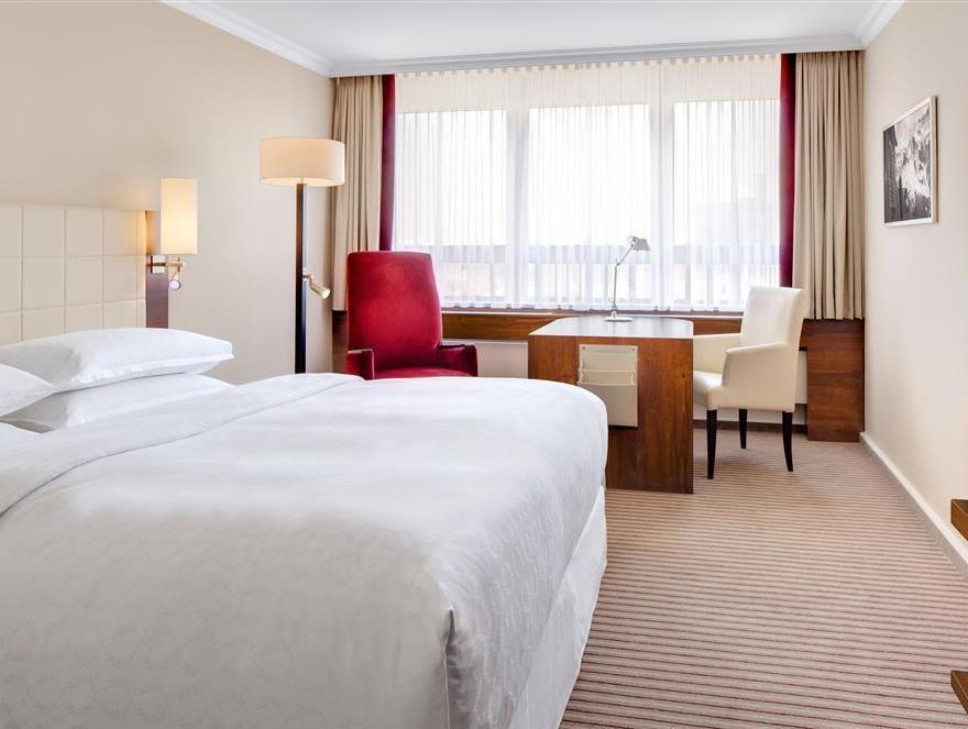 Mond Und Sterne Westpark Sheraton Munich Westpark Hotel In Germany Room Deals