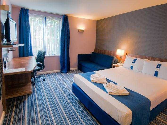 Bed And Breakfast Poole Harbour Holiday Inn Express Poole In United Kingdom Room Deals Photos