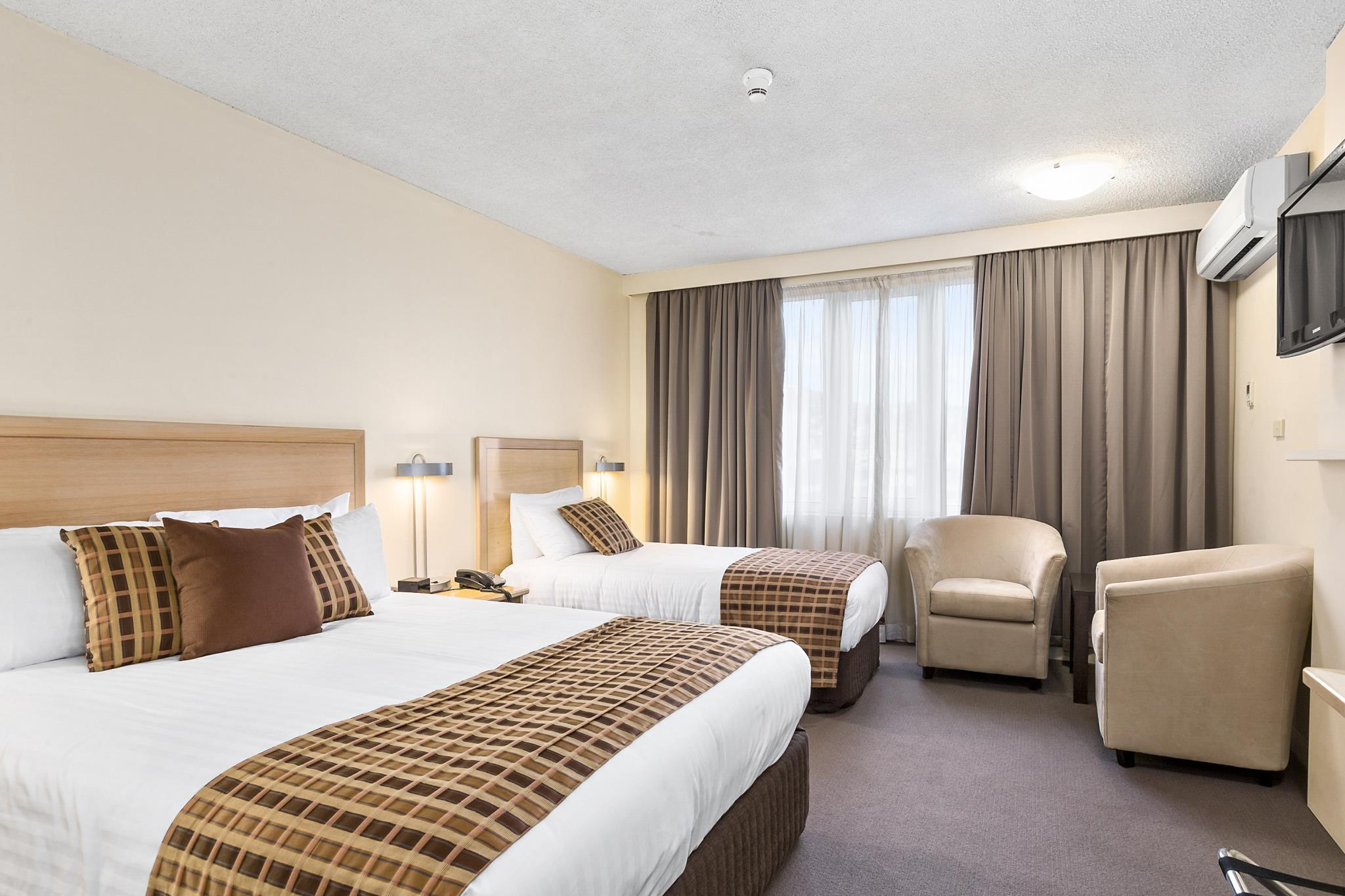 Sofa Bed Hobart Quality Hotel Hobart Midcity In Australia Room Deals