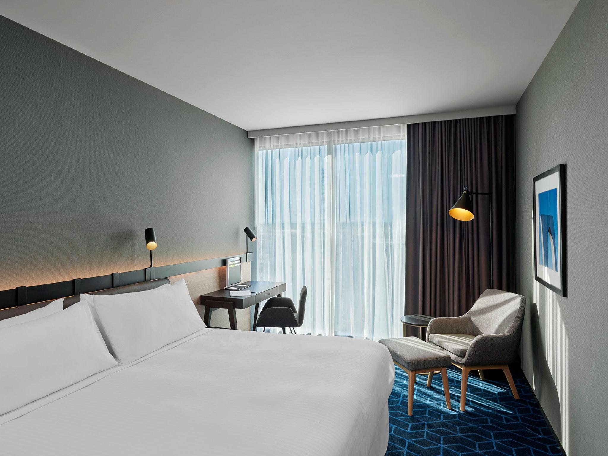Bed Reviews Australia Four Points By Sheraton Melbourne Docklands In Australia