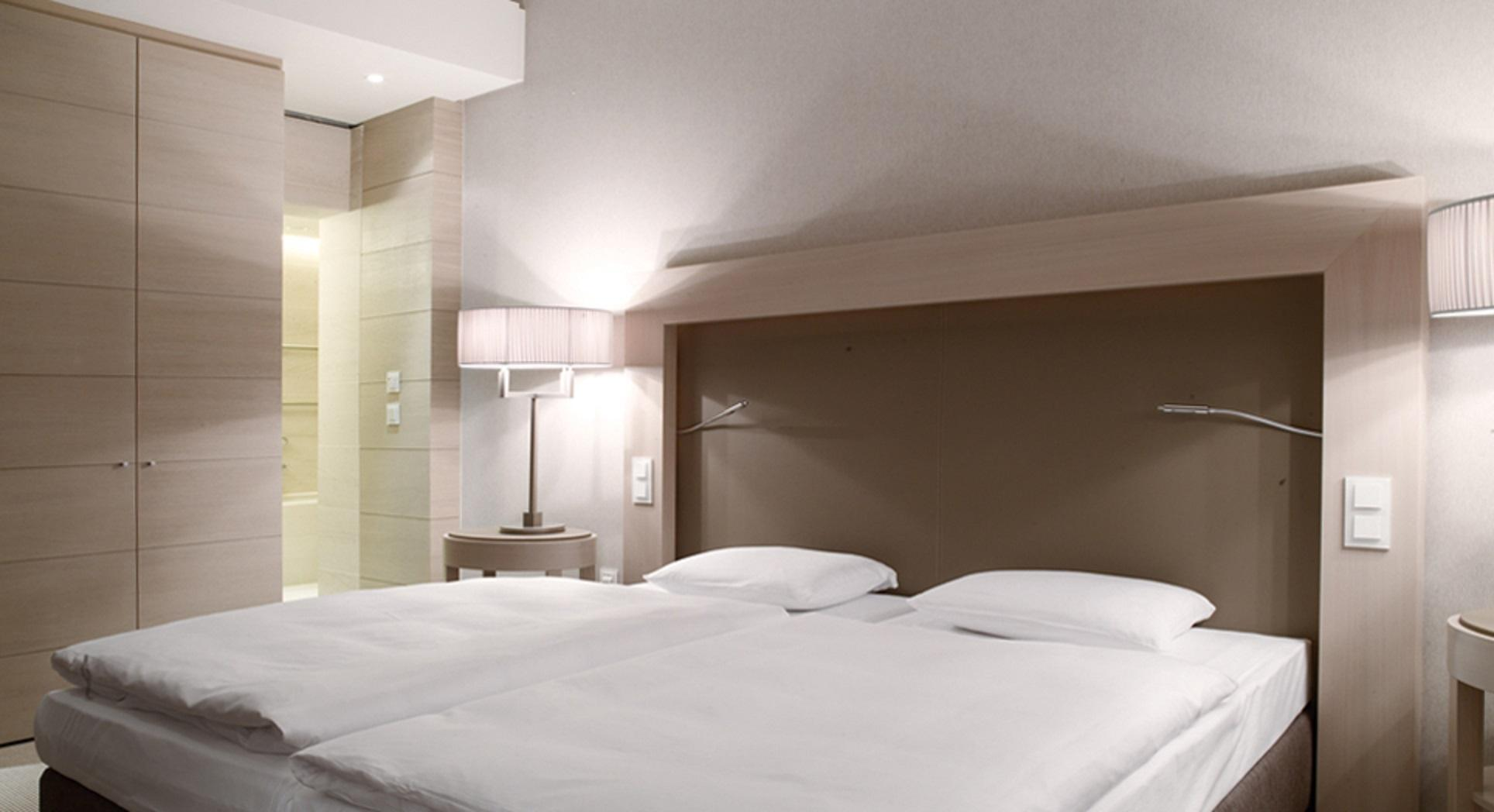 Qf Hotel Dresden Vienna House Qf Dresden In Germany Room Deals Photos Reviews