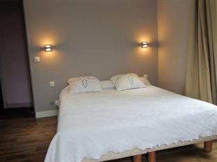 Hotel Bett Tagesdecke Hotel De Nevers In Paris Room Deals Photos Reviews