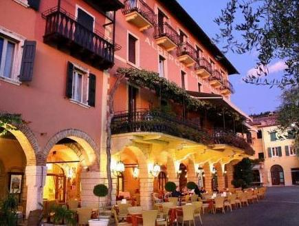 Hotel Caminetto Garda Best Price On Hotel Ristorante Gardesana In Torri Del Benaco