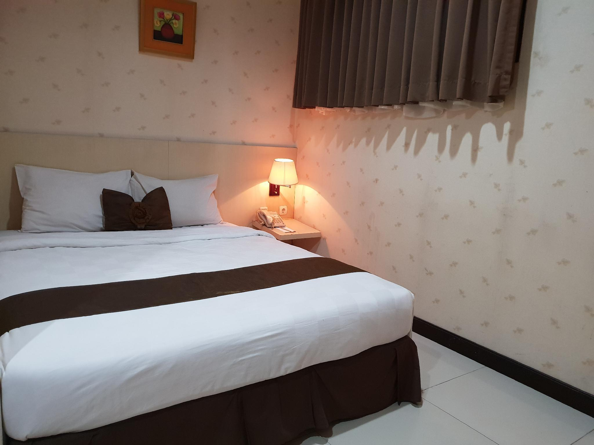 Langit2 Rumah Scarlet Kebon Kawung Hotel Room Deals Reviews Photos Bandung