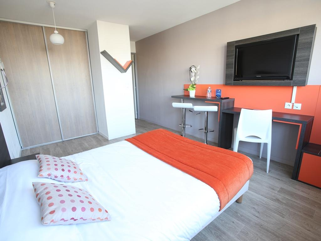 Chambre Contre Service Paris Adonis Paris Sud In France Room Deals Photos Reviews
