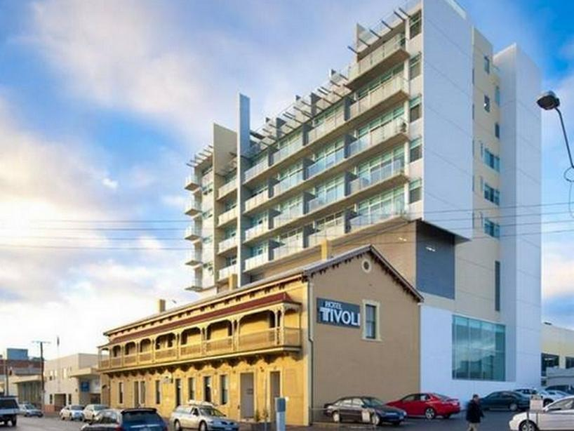 Tivoli Apartments Reviews Penthouse On Tivoli In Adelaide Room Deals Photos Reviews