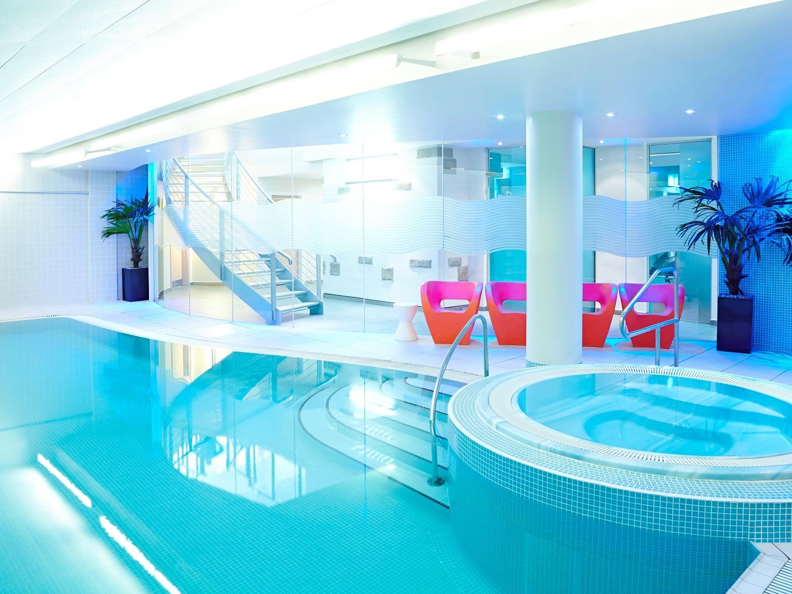Swimming Pool Jacuzzi Edinburgh Best Price On Novotel Edinburgh Centre Hotel In Edinburgh