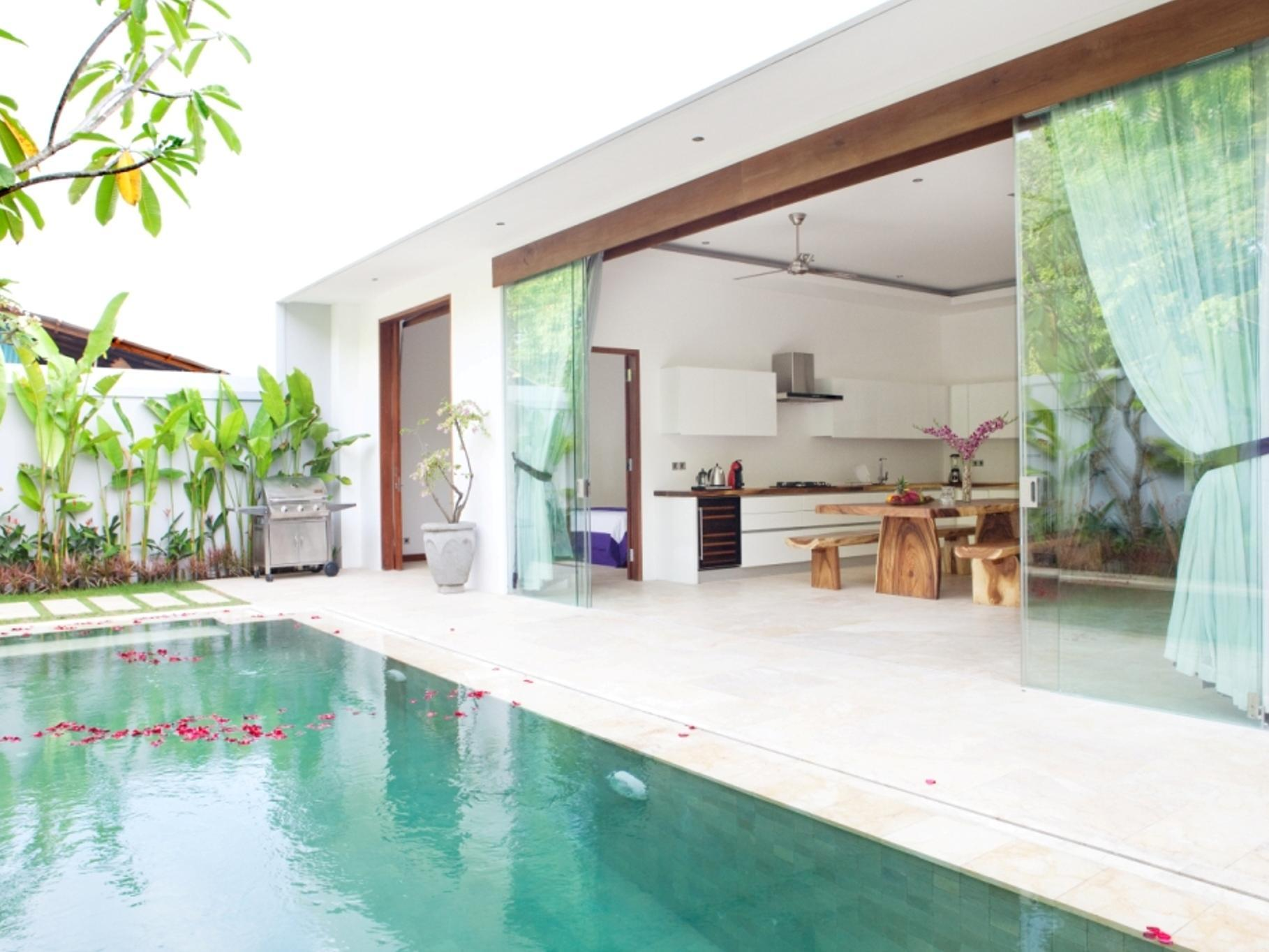 Jacuzzi Pool Villa Bali Anema Villa Seminyak In Bali Room Deals Photos And Reviews