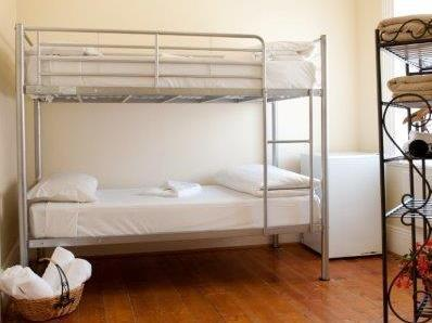 Bunk Bed Melbourne Hotel Claremont Guest House In Melbourne Room Deals