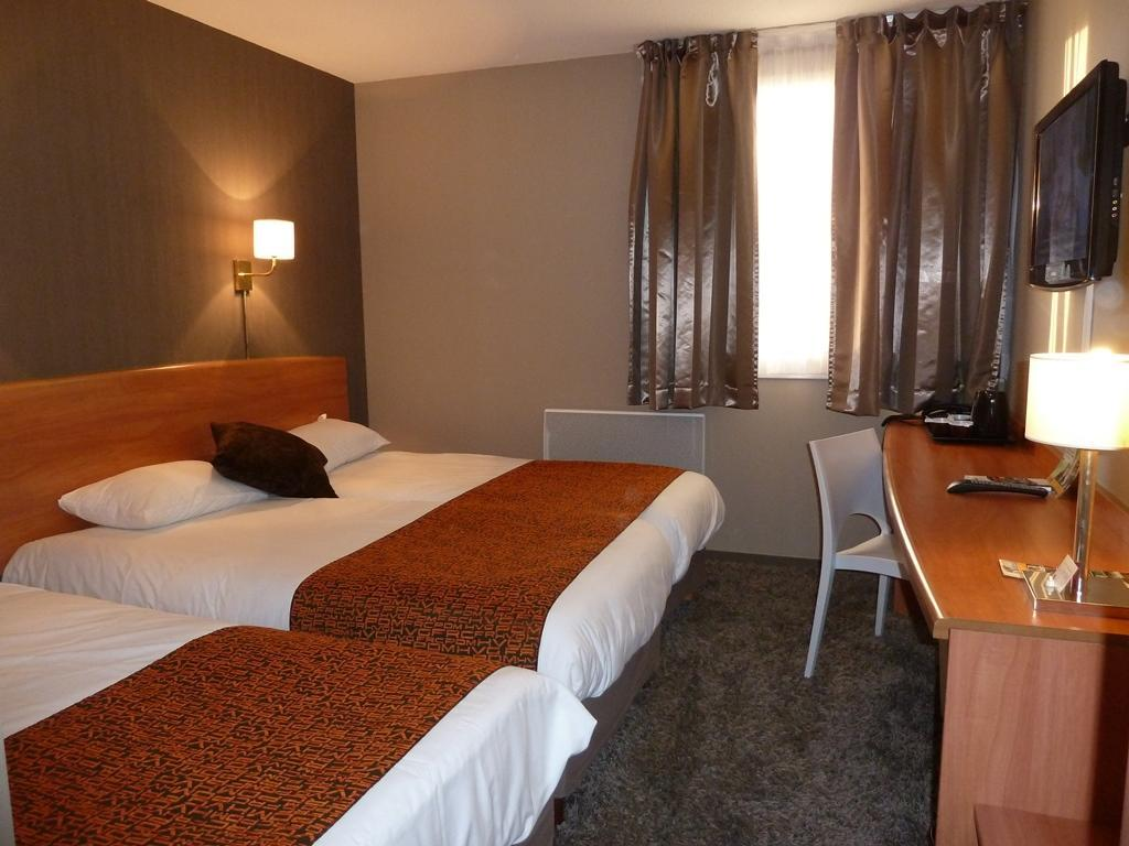 Inter Hotel La Terrasse Tours Inter Hotel Tours Aeroport La Terrasse In France Room Deals