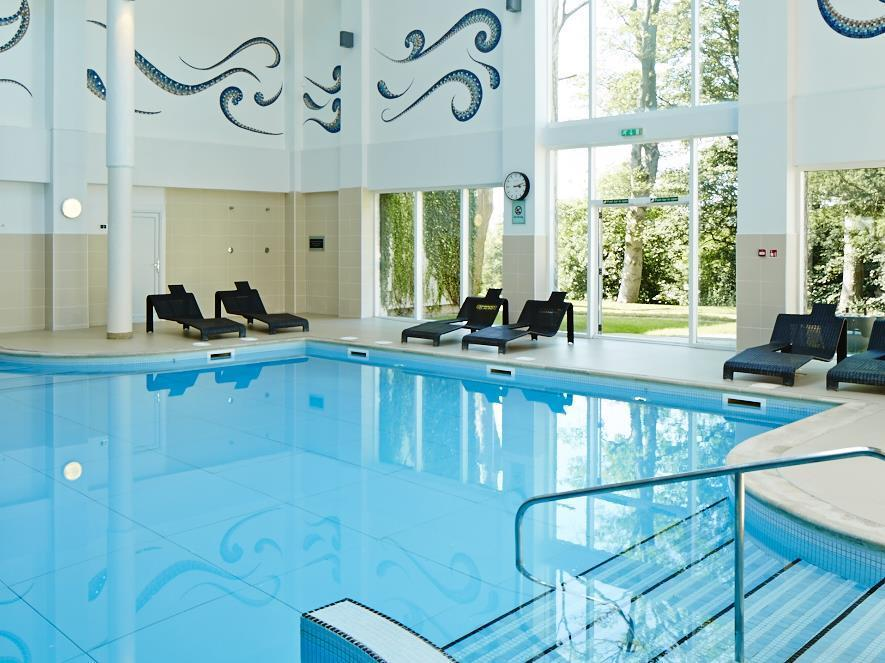 Swimming Pool Jacuzzi Edinburgh Dalmahoy Hotel And Country Club In Edinburgh Room Deals