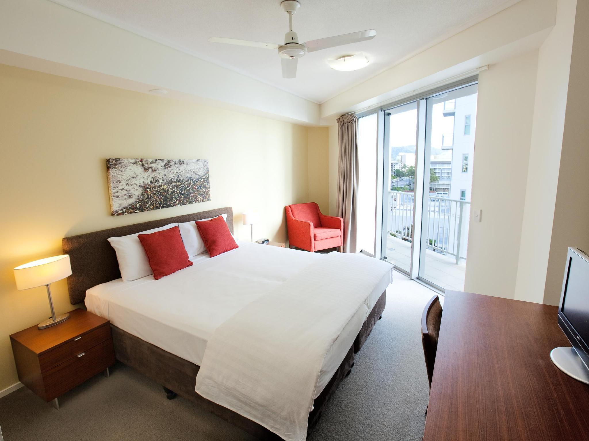 Beds Cairns Mantra Trilogy Hotel In Cairns Room Deals Photos And Reviews