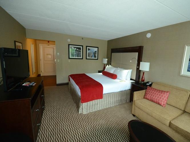 Bed And Breakfast Woburn Crowne Plaza Boston Woburn In Woburn Ma Room Deals Photos