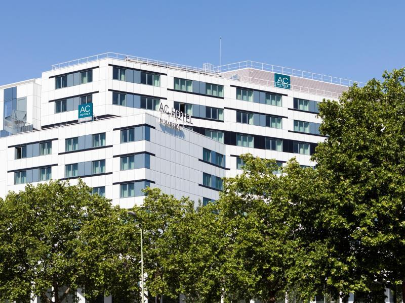 Hotel Pas Cher Porte Maillot Ac Hotel Paris Porte Maillot In France Room Deals