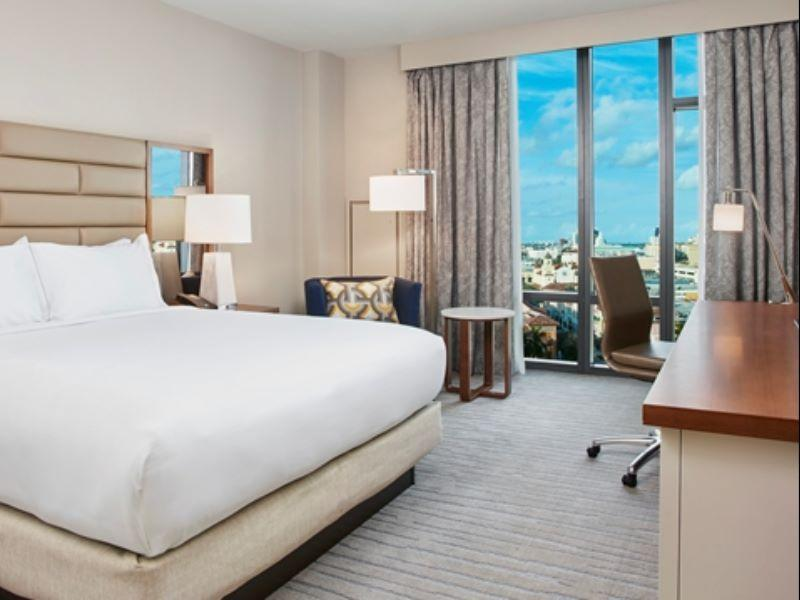 1 King deluxe City View Hilton West Palm Beach