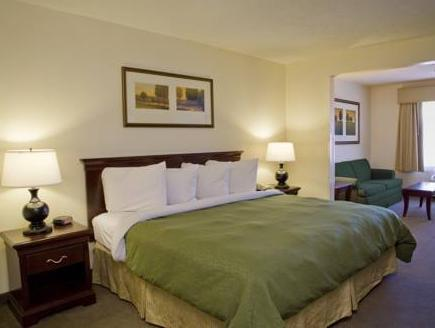 Suite 1 King Bed Sofa Executive Country Inn and Suites Gurnee