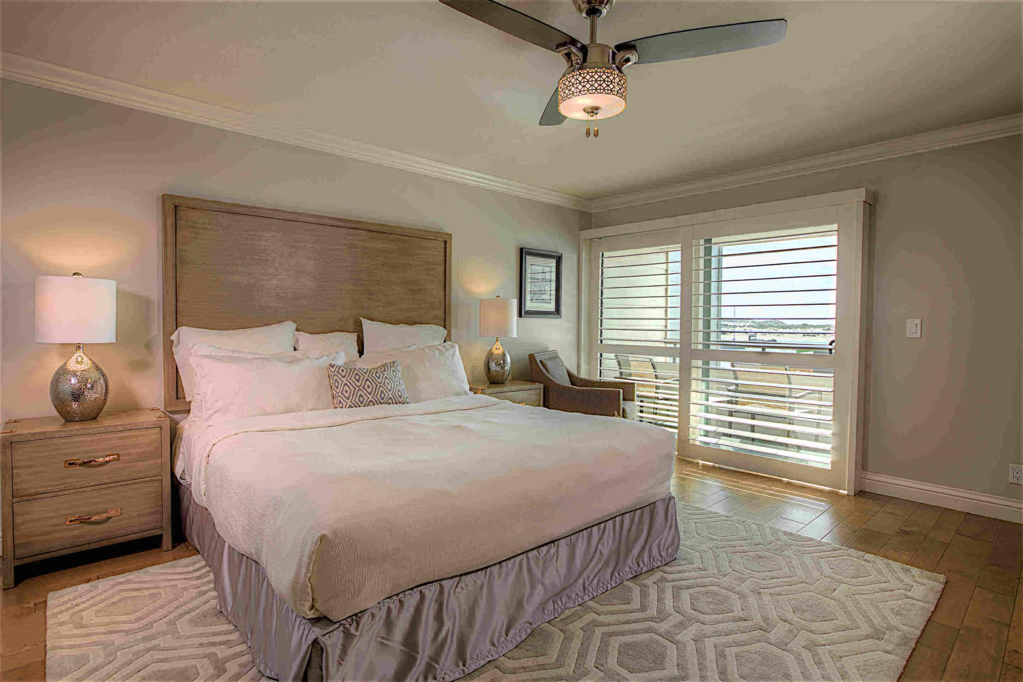 456 Embarcadero Inn & Suites Photo Guest Room