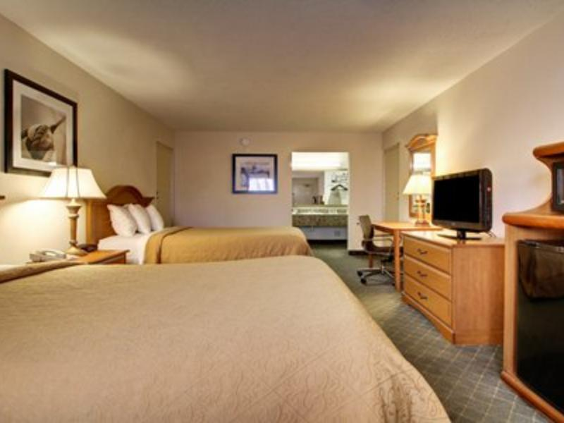 2 Double Beds, Smoking Quality Inn Biloxi Beach Biloxi