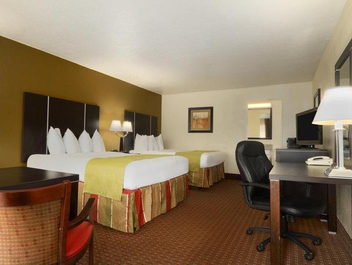 2 Double Beds Smoking Best Western of Asheville Biltmore East