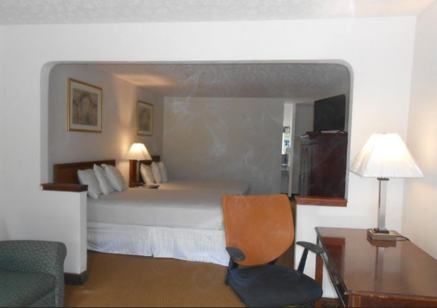 2 Double Beds Non-Smoking Americas Best Value Inn Williamsburg Lightfoot Area