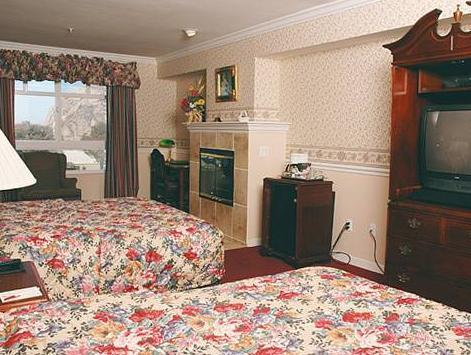 2 Queen Beds Suite No Smoking Ascot Suites