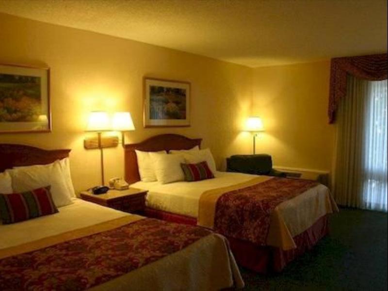 Suite 2 Queen Beds Best Western PLUS A Wayfarers Inn and Suites
