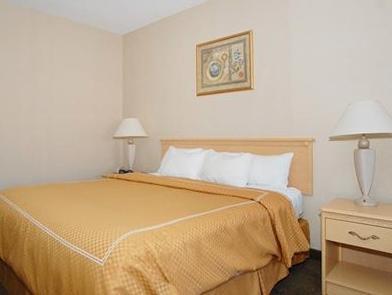 1 King Bed, Suite, No Smoking Comfort Suites Corbin