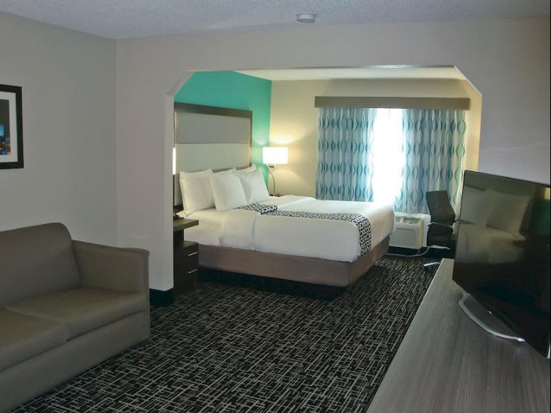 1 King Bed, Suite, No Smoking La Quinta Inn & Suites Batavia