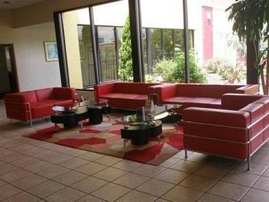 Clarion Inn Photo Lobby