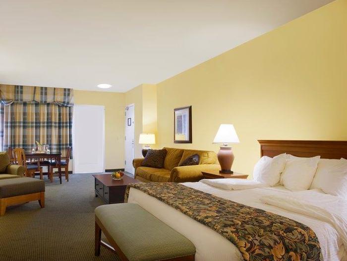 Best Western PLUS Landing Hotel Photo Guest Room
