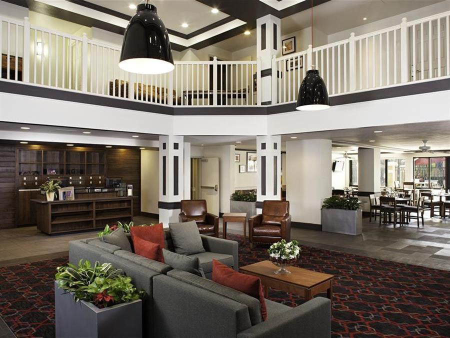 Four Points by Sheraton Fort Myers Airport Photo Interior