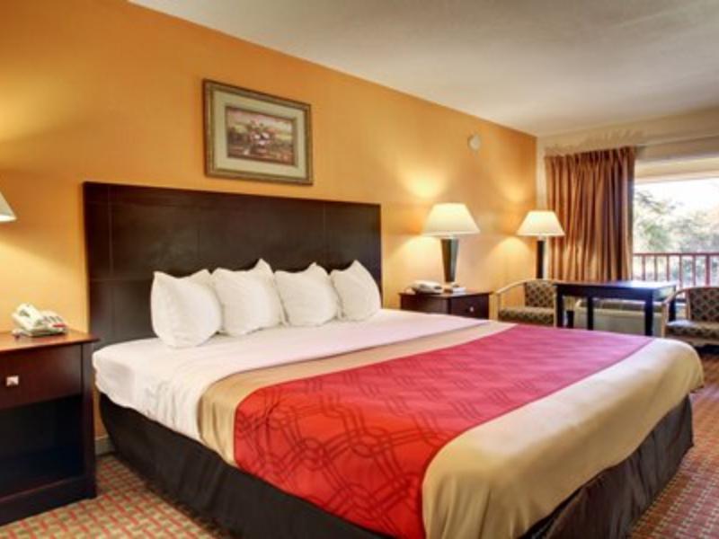 1 King Bed, No Smoking Econo Lodge Biloxi Beach North