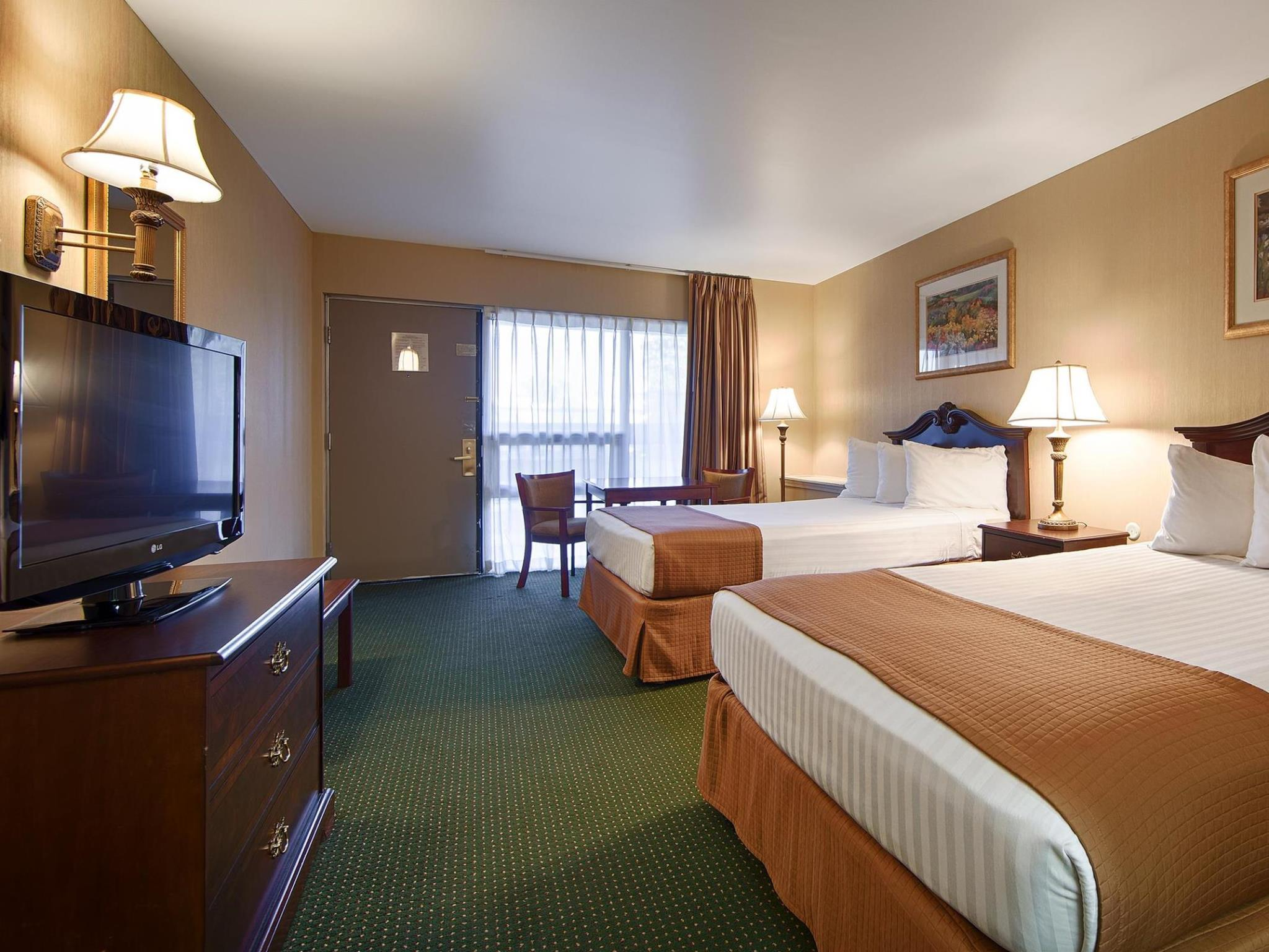 2 Double Beds Special Deal Best Western Gateway Adirondack Inn