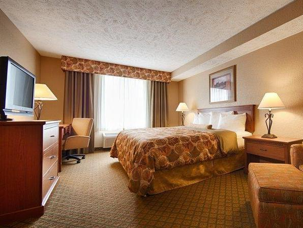 Roll In Shower 1 King Bed Best Western Plus Mid Nebraska Inn and Suites
