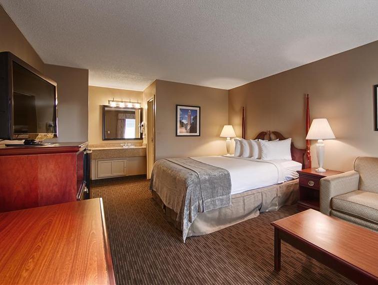 1 King Bed Best Western Park Plaza Motor Inn