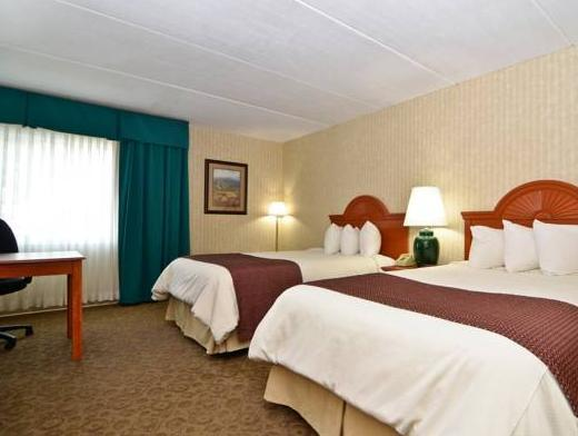 Best Western PLUS The Inn at Smithfield Photo Picture Image 12833638