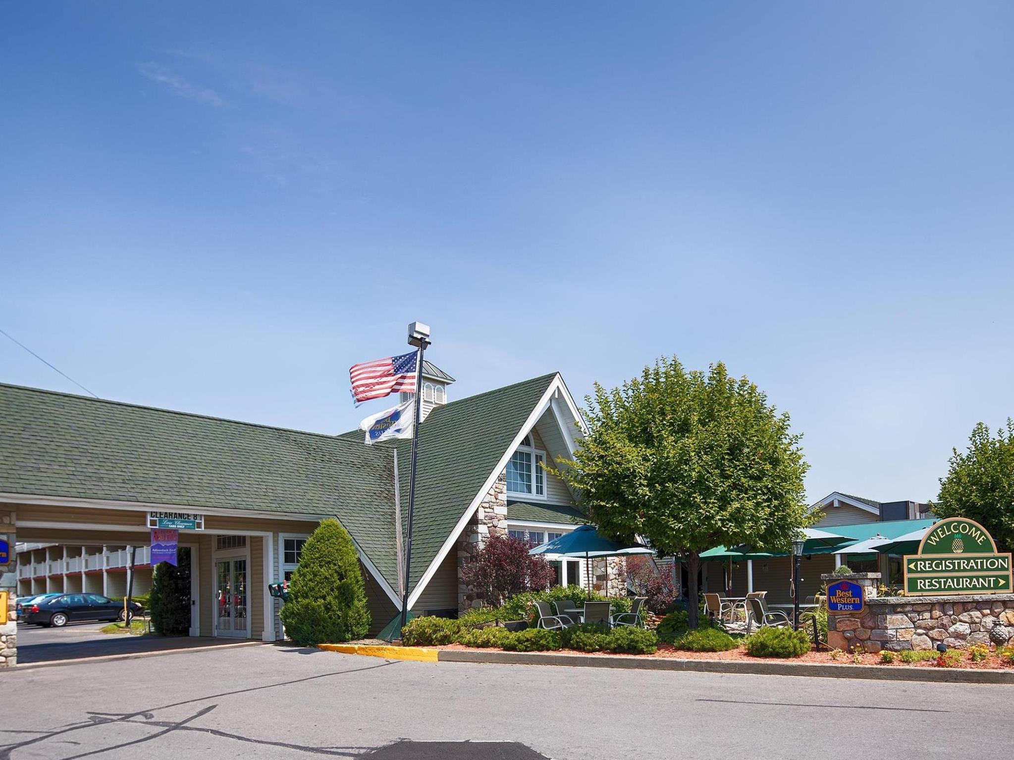 Best Western PLUS The Inn at Smithfield Photo Exterior