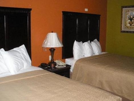 2 Queen Beds, Smoking Quality Inn
