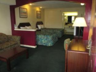 2 Double Beds Suite Non-Smoking Special Americas Best Value Inn and Suites - Jackson Coliseum