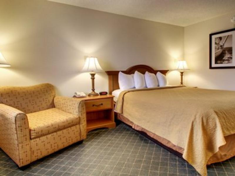 1 King Bed, Smoking - Stay 3 & Save Quality Inn Biloxi Beach Biloxi