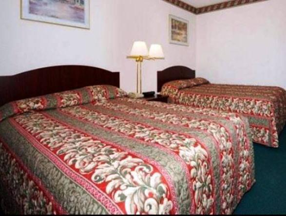 2 Double Beds, Smoking Rodeway Inn Wine Country