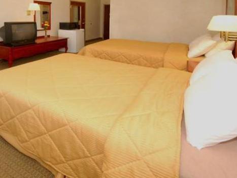 2 Double Beds, No Smoking Accessible  Quality Inn Biloxi