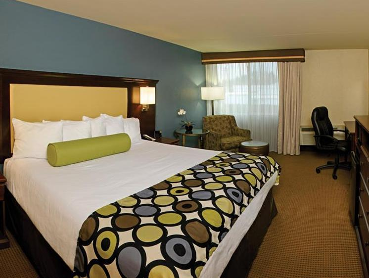 Best Western PLUS Coeur dAlene Inn Photo Guest Room