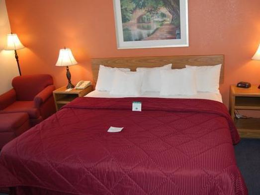 1 Queen Bed, No Smoking Ramada Coeur D'Alene